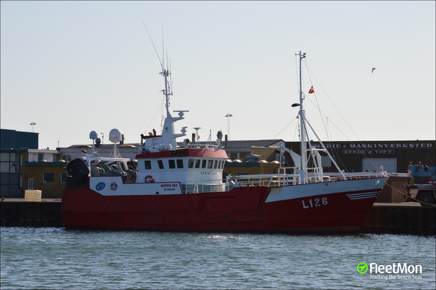 L126 bering sea fishing vessel ship particulars and ais for Bering sea fishing
