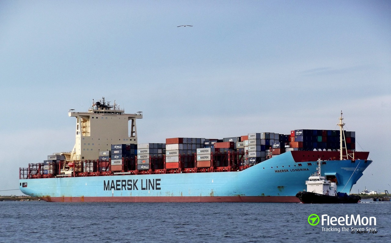 Container ship Maersk Londrina explosion and fire