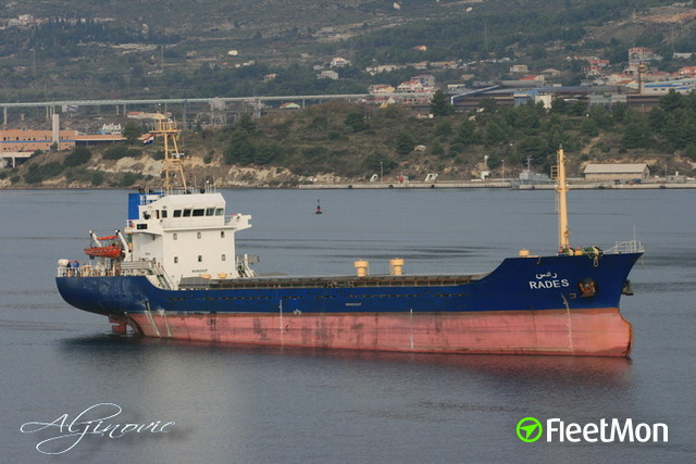 Disabled Turkish cargo ship taken on tow, Aegean sea