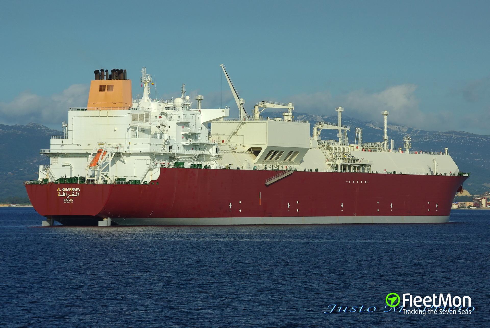 Mega LNG tanker Al Gharrafa collided with mega boxship Hanjin Italy, Malacca Strait