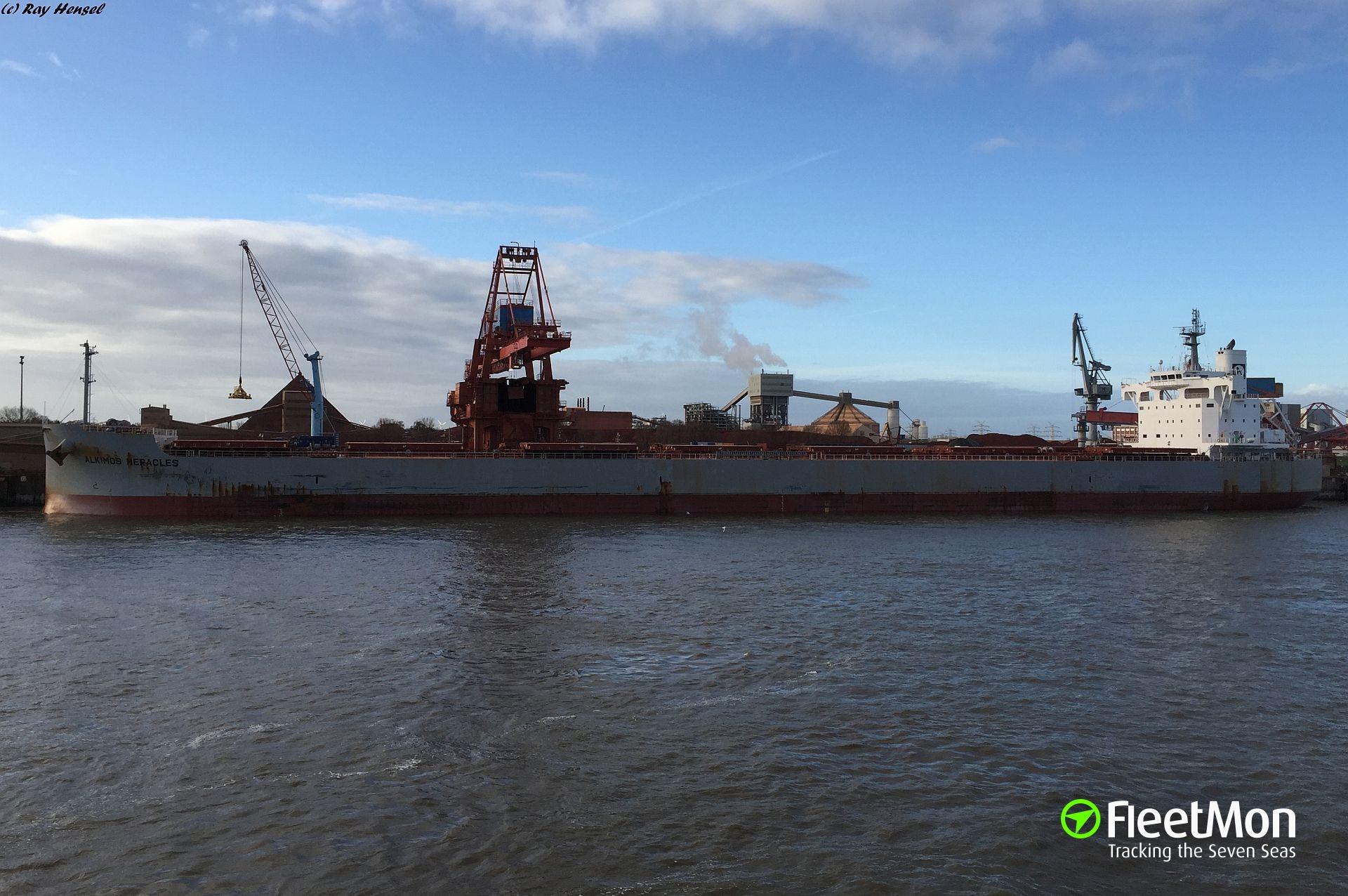 Bulk carrier ALKIMOS HERACLES grounding, Rio de La Plata