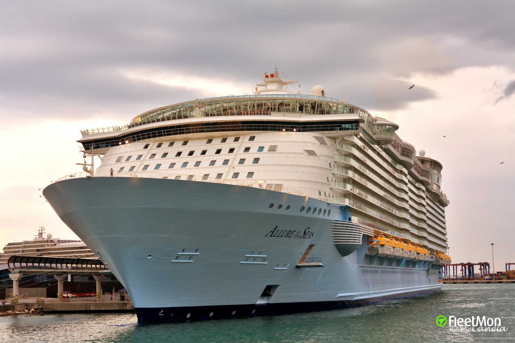 Photo of allure of the seas imo 9383948 mmsi 311020700 callsign c6xs8 taken by franela - The allure of the modular home ...