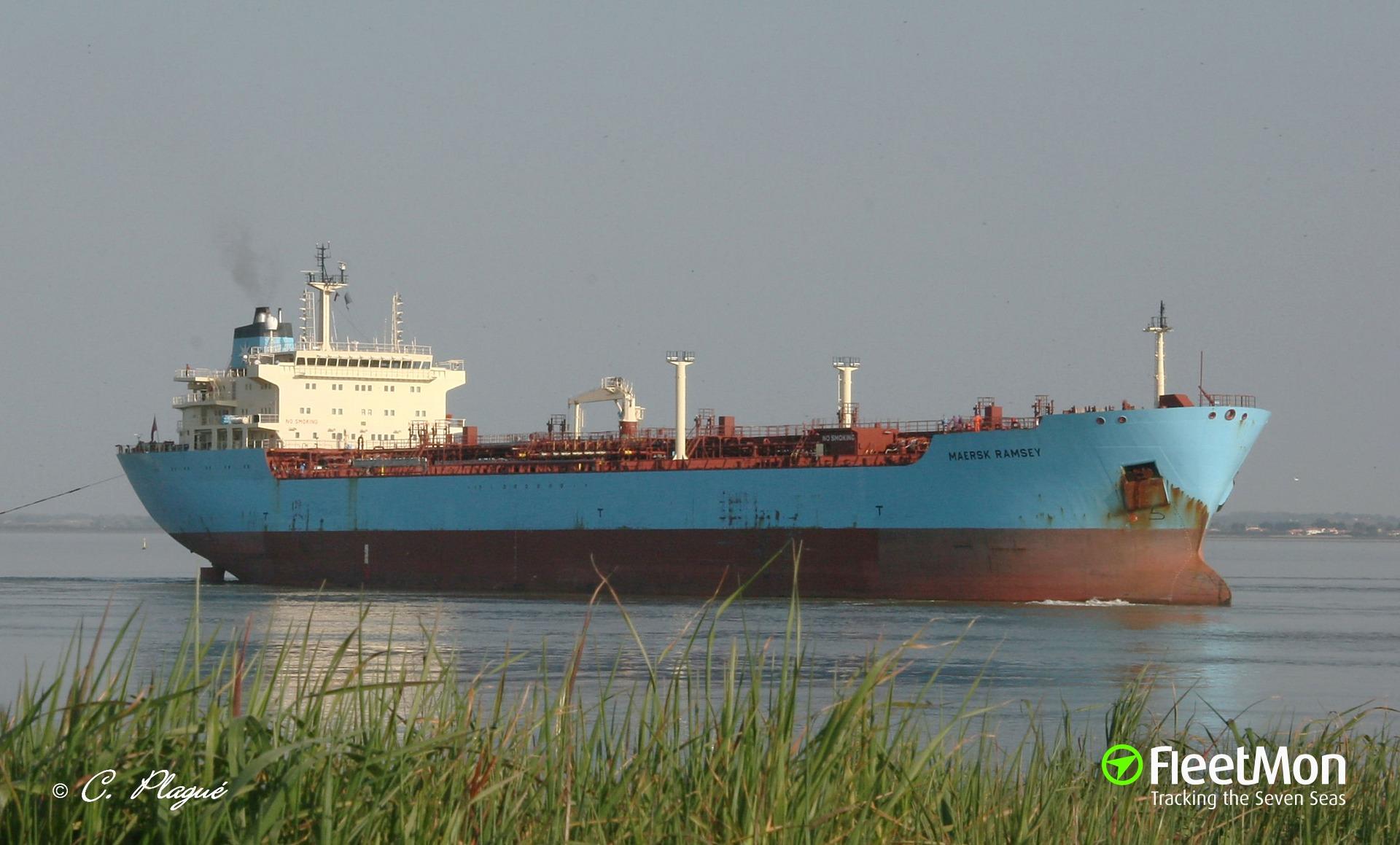 Tanker on fire after jets attack, Libya
