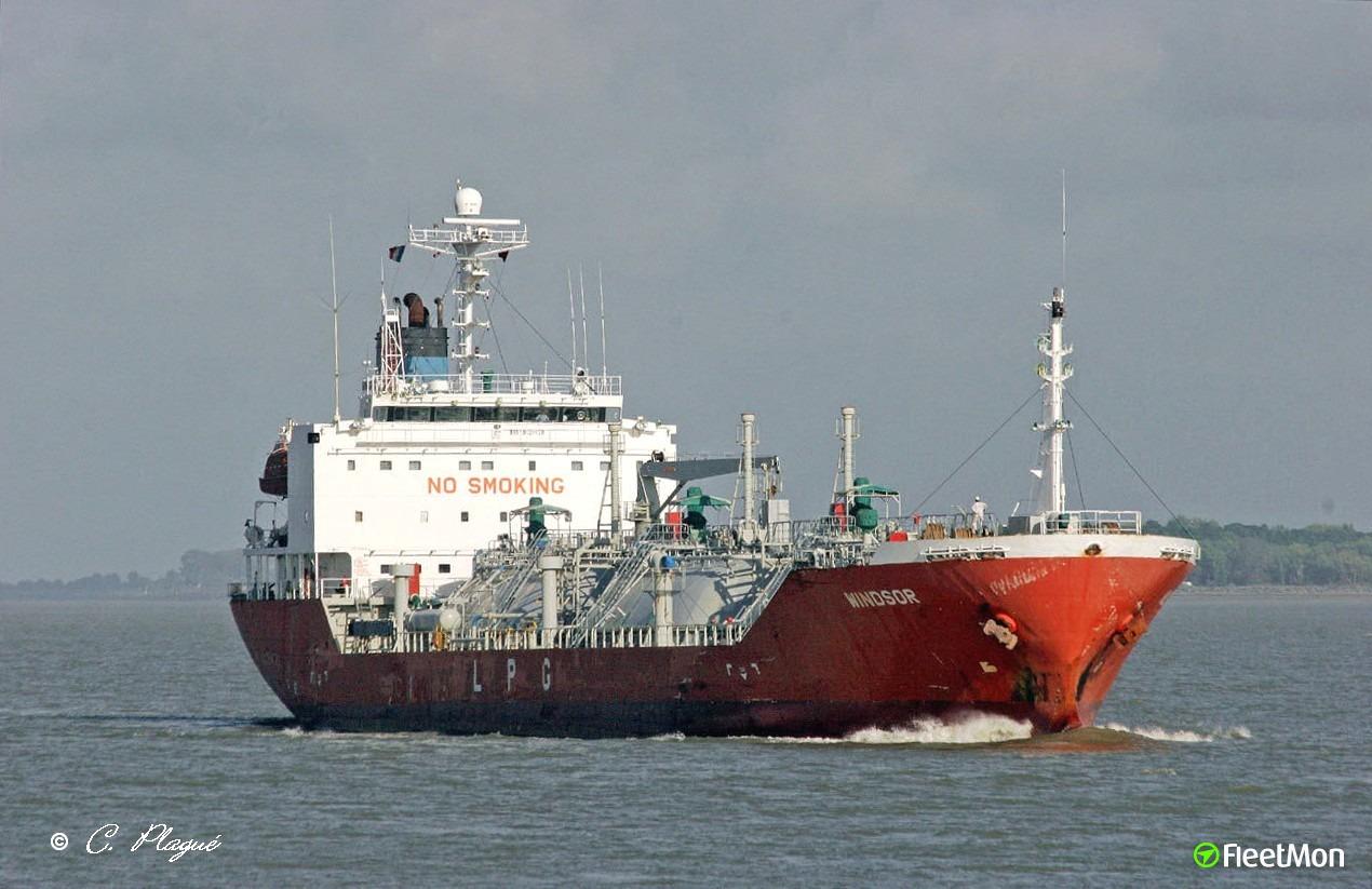  LPG tanker WINDSOR abandoned by manager, Bulgarian Captain deserted vessel