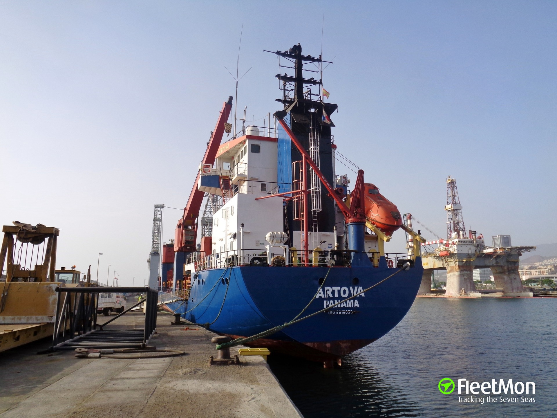 Freighter ARTOVA towed to Canary Islands