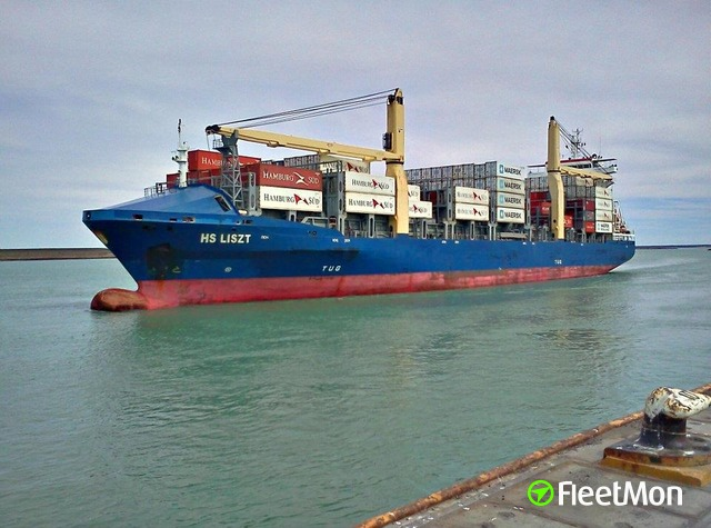 Container ship ran aground while approaching Barranquilla