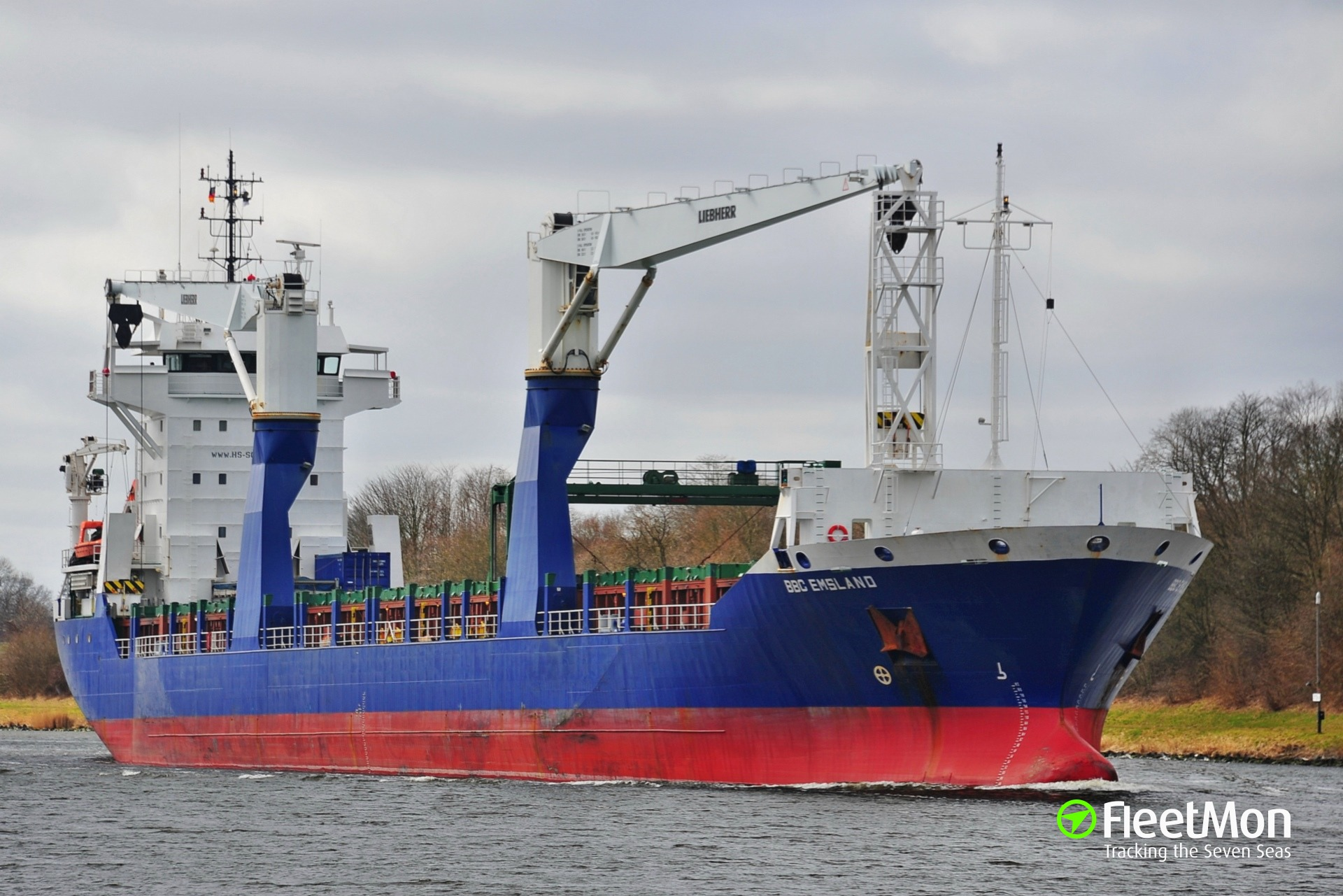 Fire in cargo hold of freighter Emsland, Norway