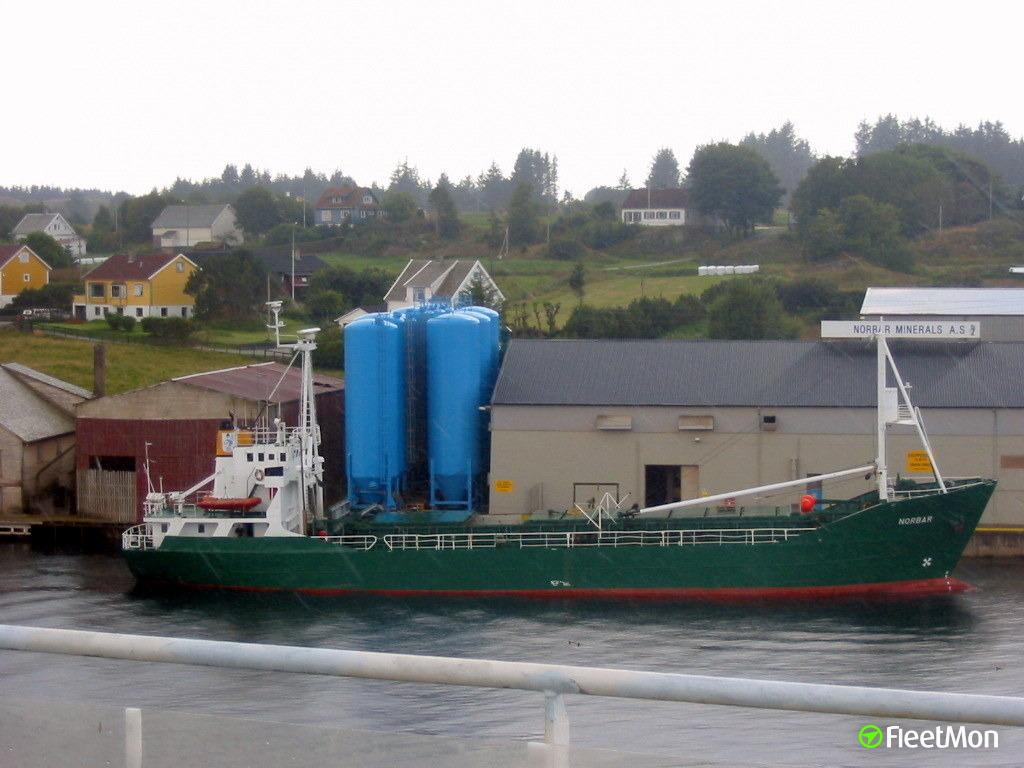 Freighter aground, Norway