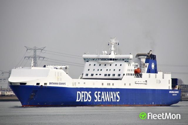 //photos.fleetmon.com/vessels/britannia-seaways_9153032_1354187_Large.jpg