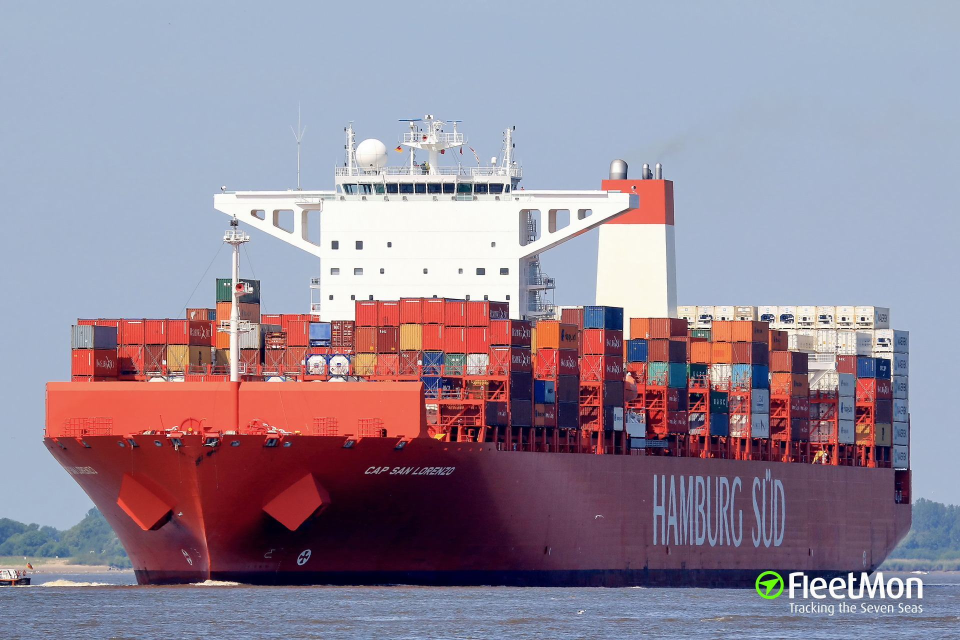 Boxship Cap San Lorenzo aground, Netherlands