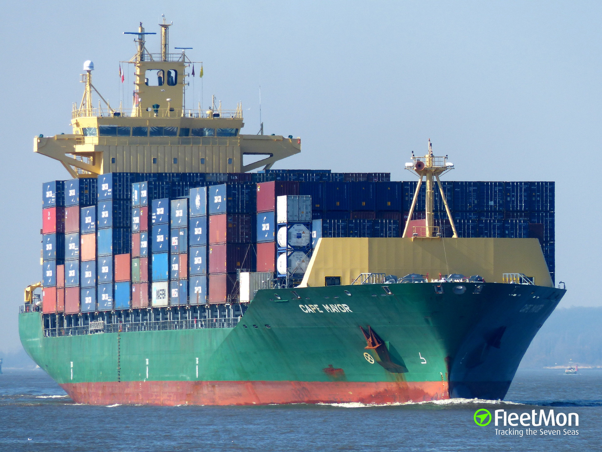 Container ship CAPE MAYOR lost one crew, one injured, English Canal