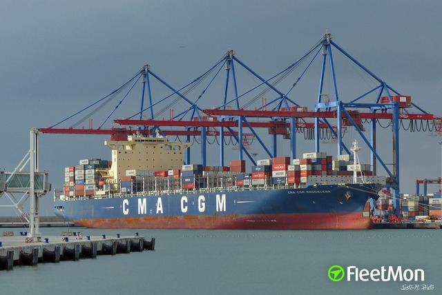 //photos.fleetmon.com/vessels/cma-cgm-magdalena_9724049_2335793_Large.jpg