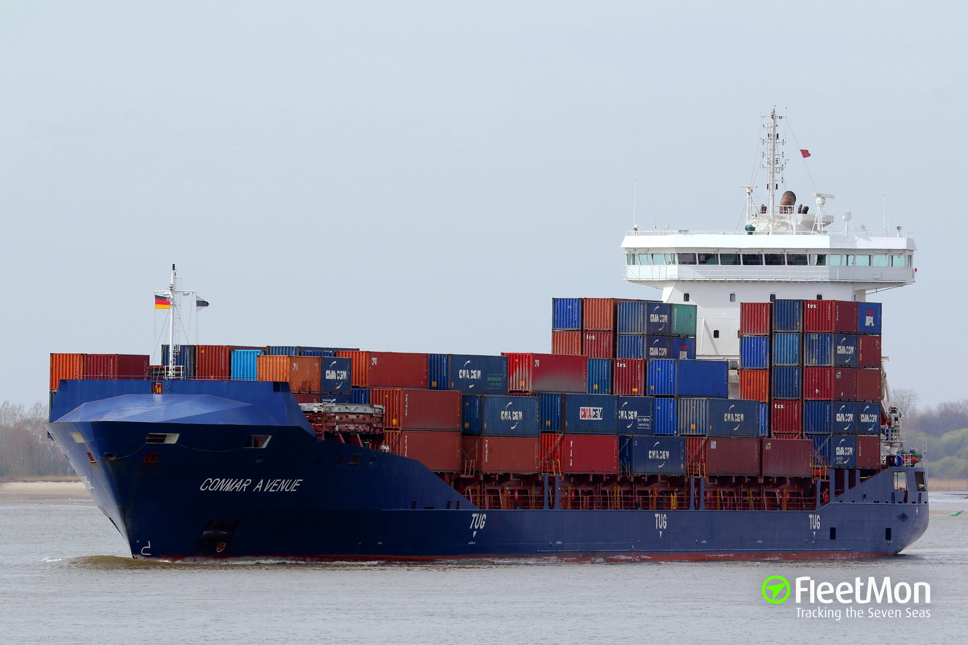 Container ship CONMAR AVENUE troubled in Kiel Canal