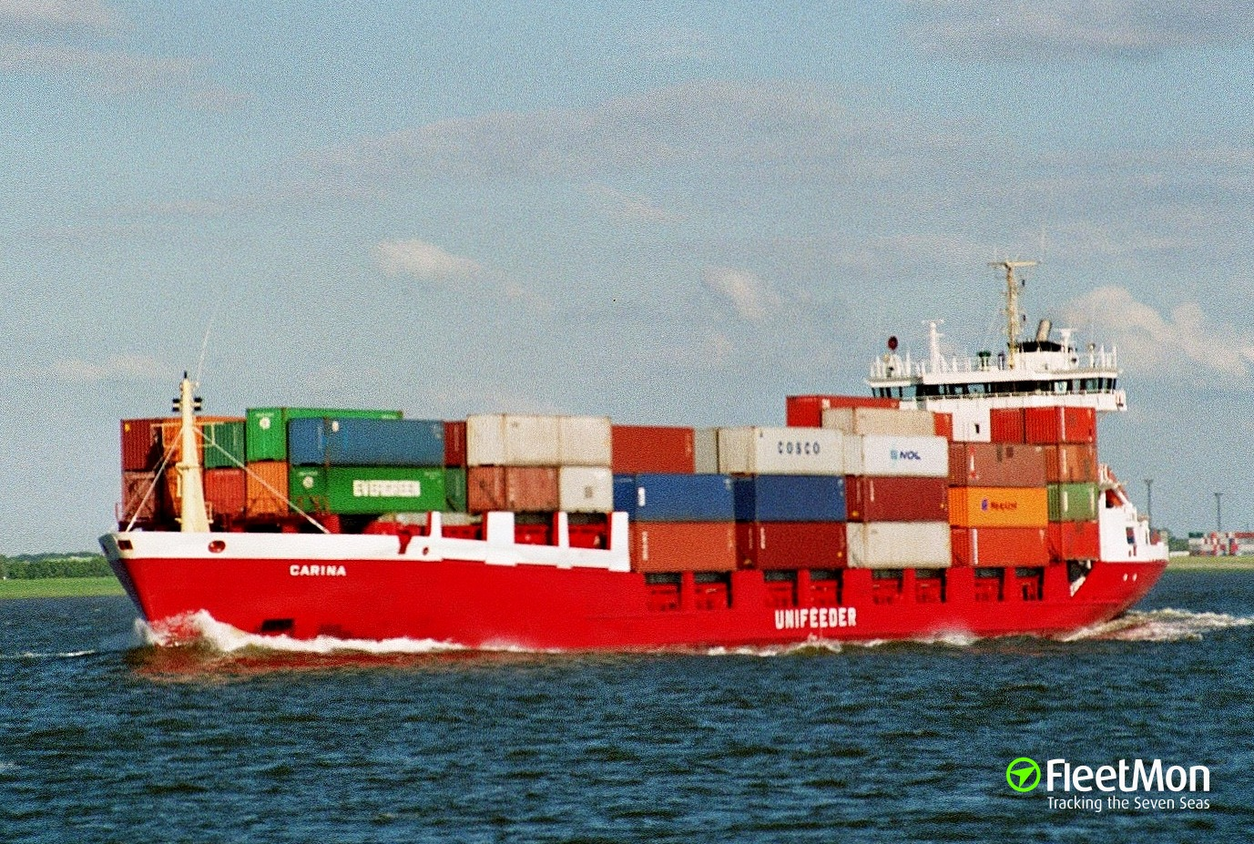 One crew dead and three in critical condition in a hold of Polish boxship, Denmark