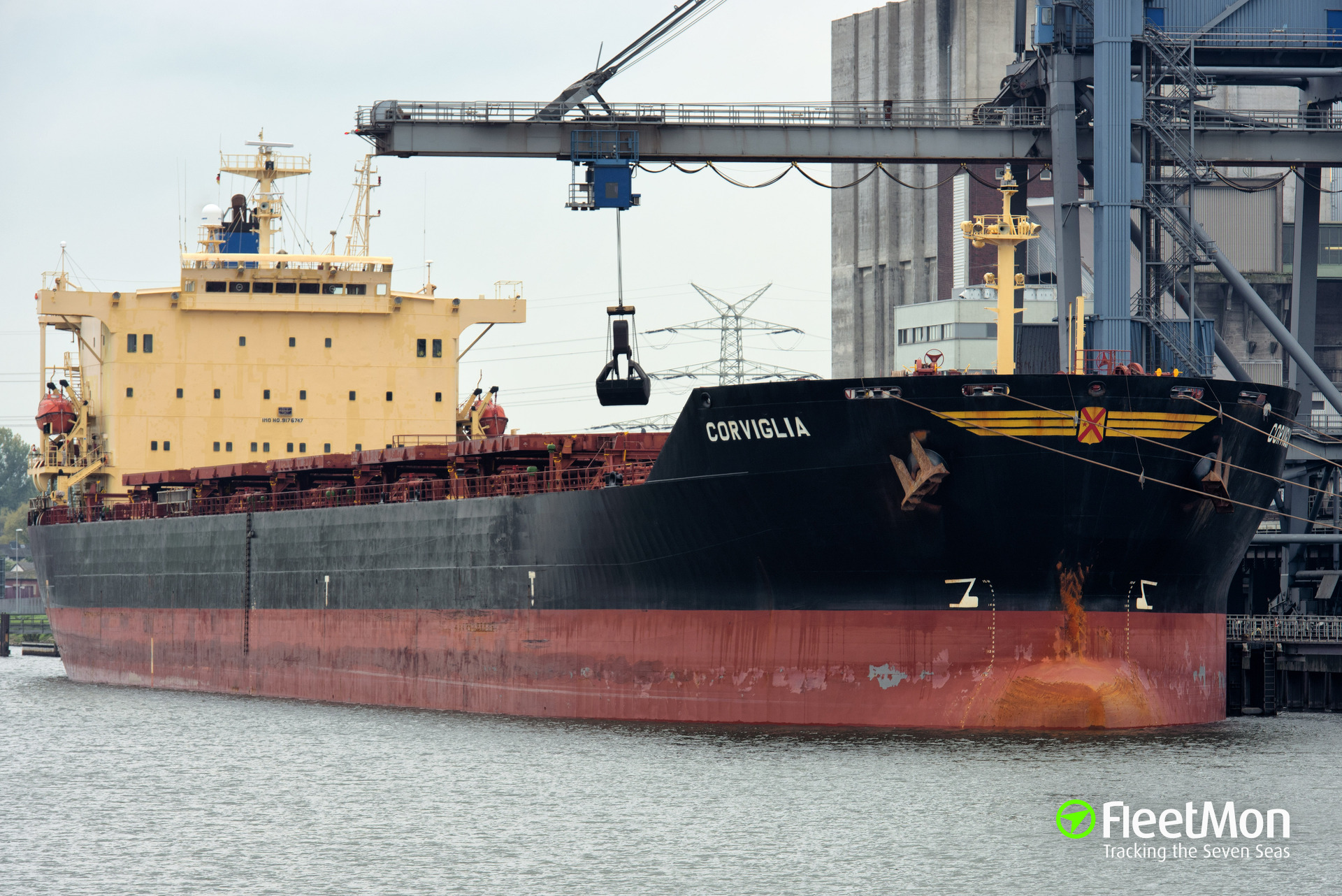Bulk carrier Corviglia aground and refloated, Oregon