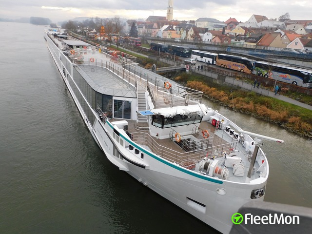​MV WERFTEN delivers fourth luxury river ship to Crystal River Cruises