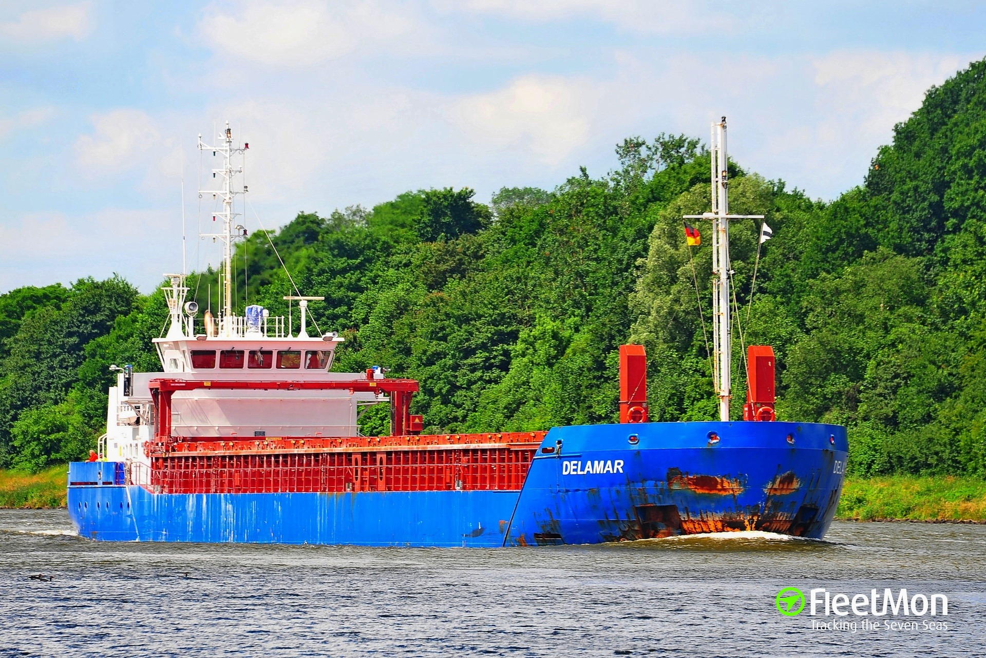 DELAMAR disabled entering Kiel Canal