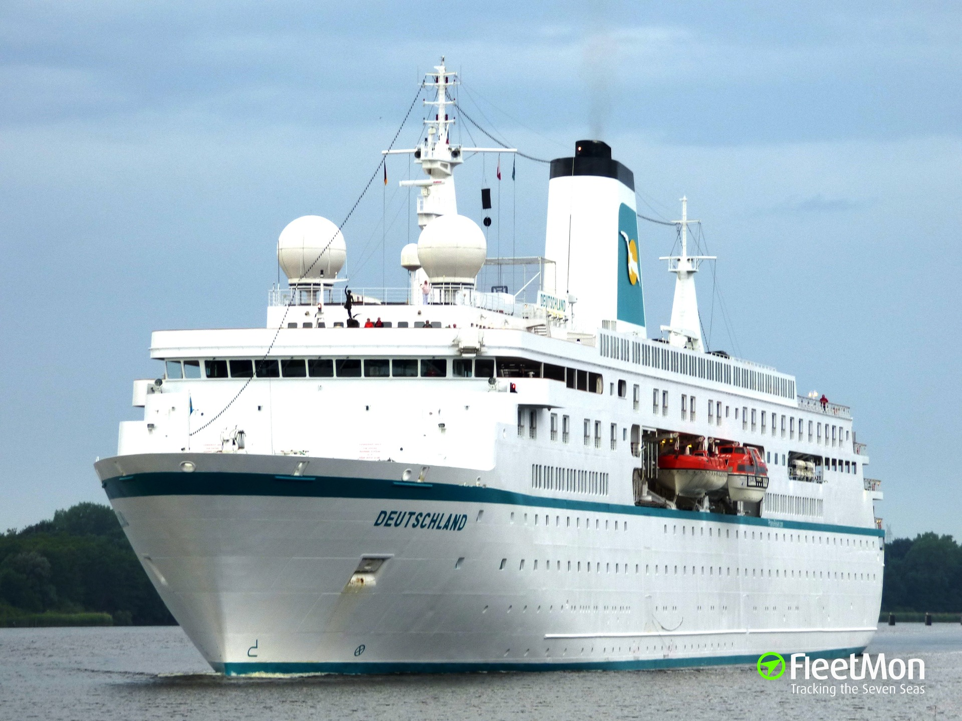 Cruise Ship Gps Tracker | Fitbudha.com