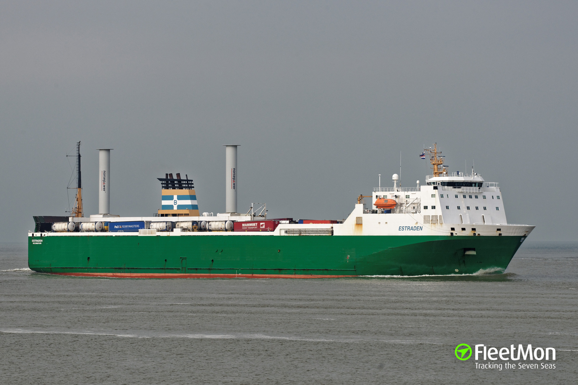 ​ESTRADEN with Flettner rotor is underway
