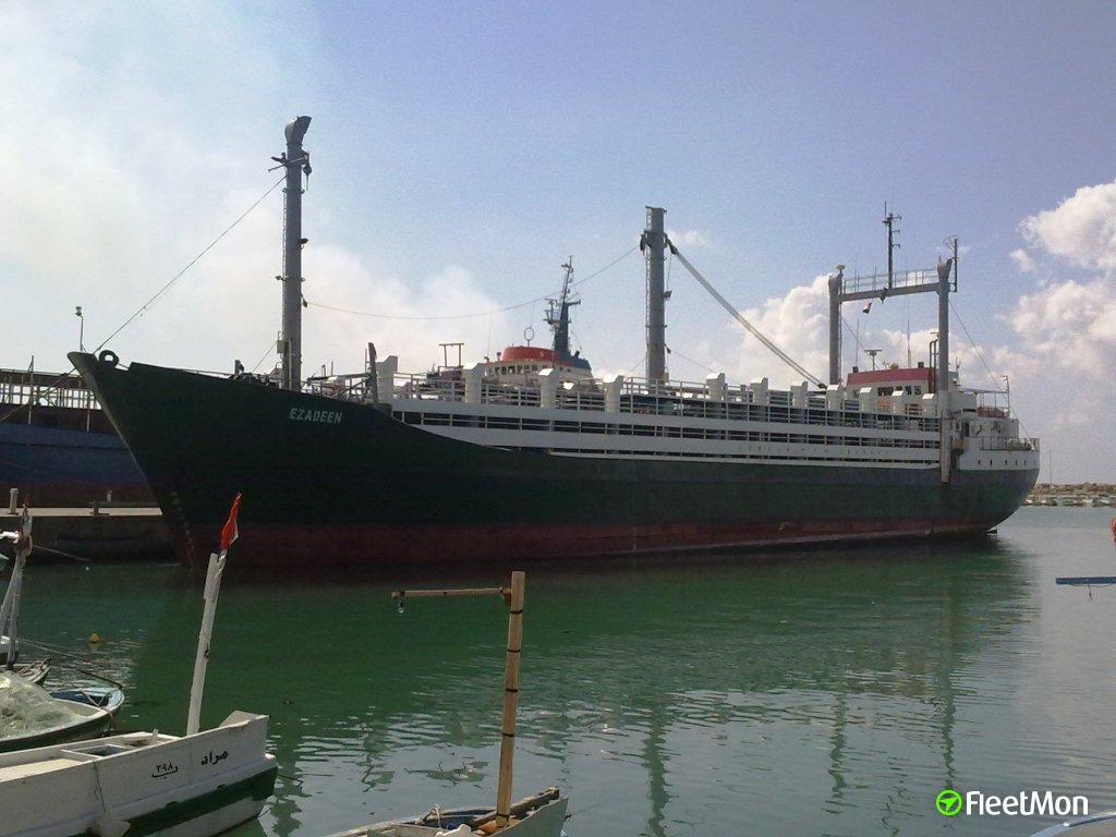 Livestock carrier Ezadeen with hundreds of migrants abandoned by crew, the same scenario