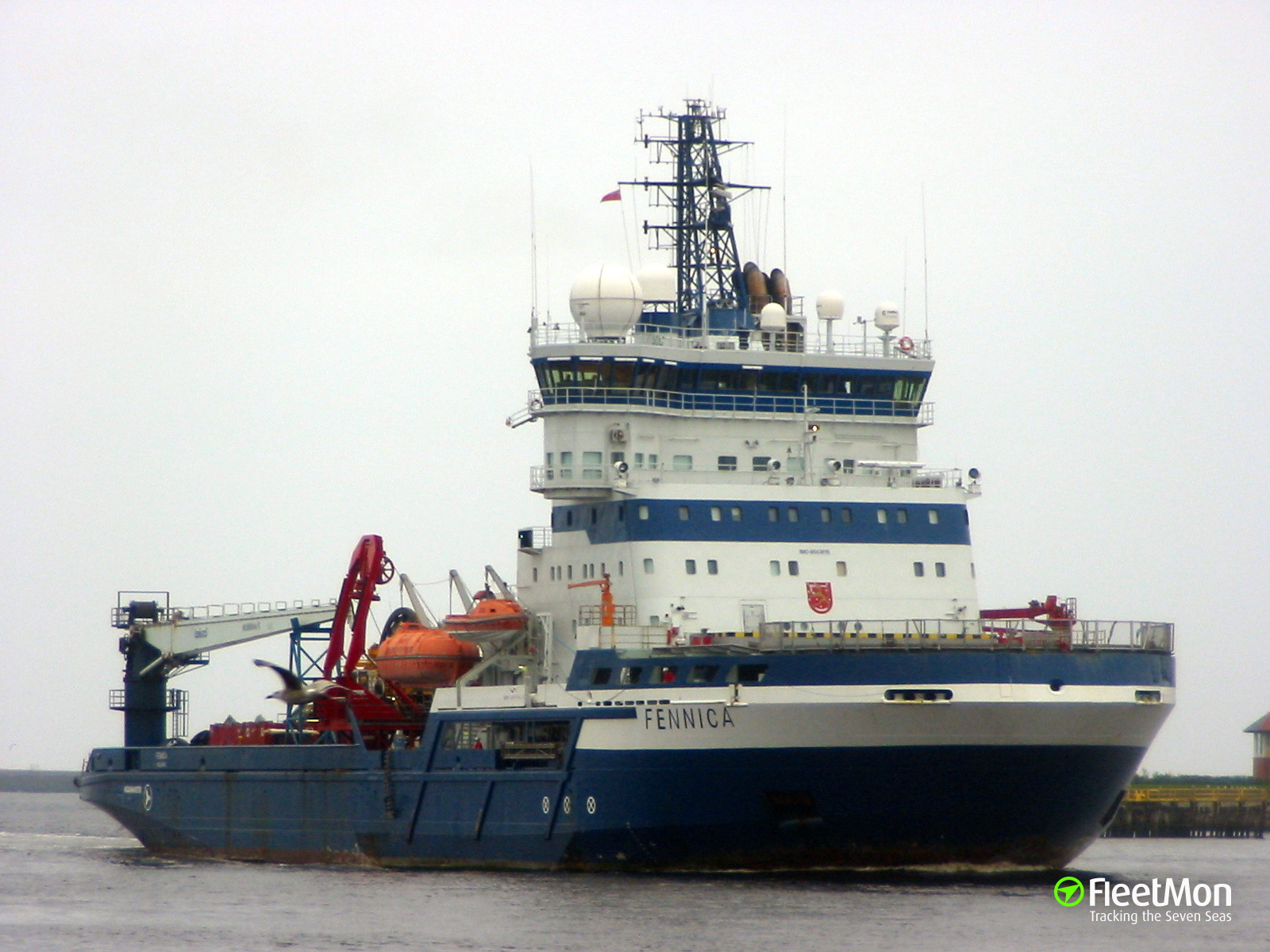 Offshore icebreaker Fennica got a crack, cancelled voyage