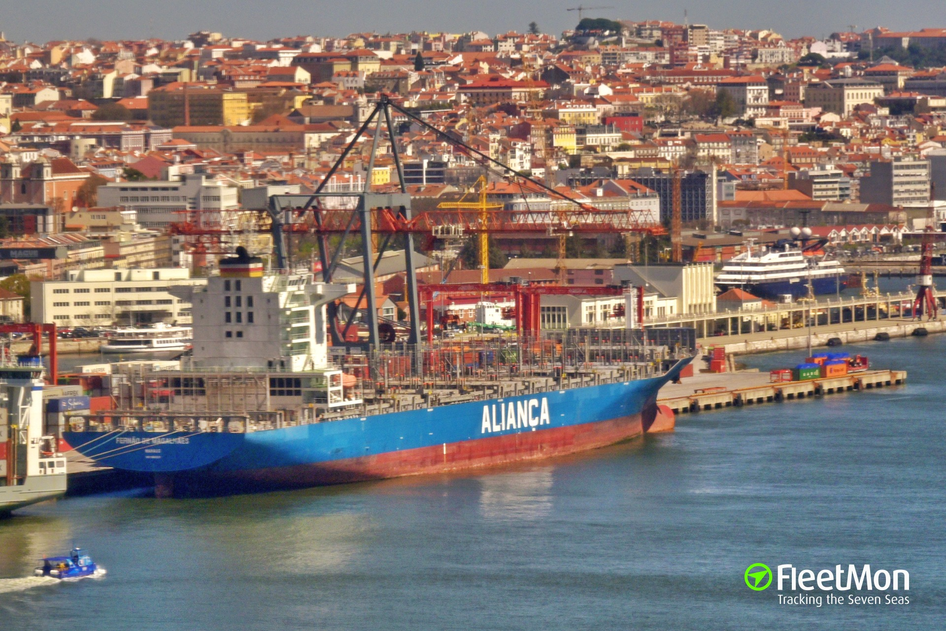 FERNAO DE MAGALHAES (3,820 teu) enters service