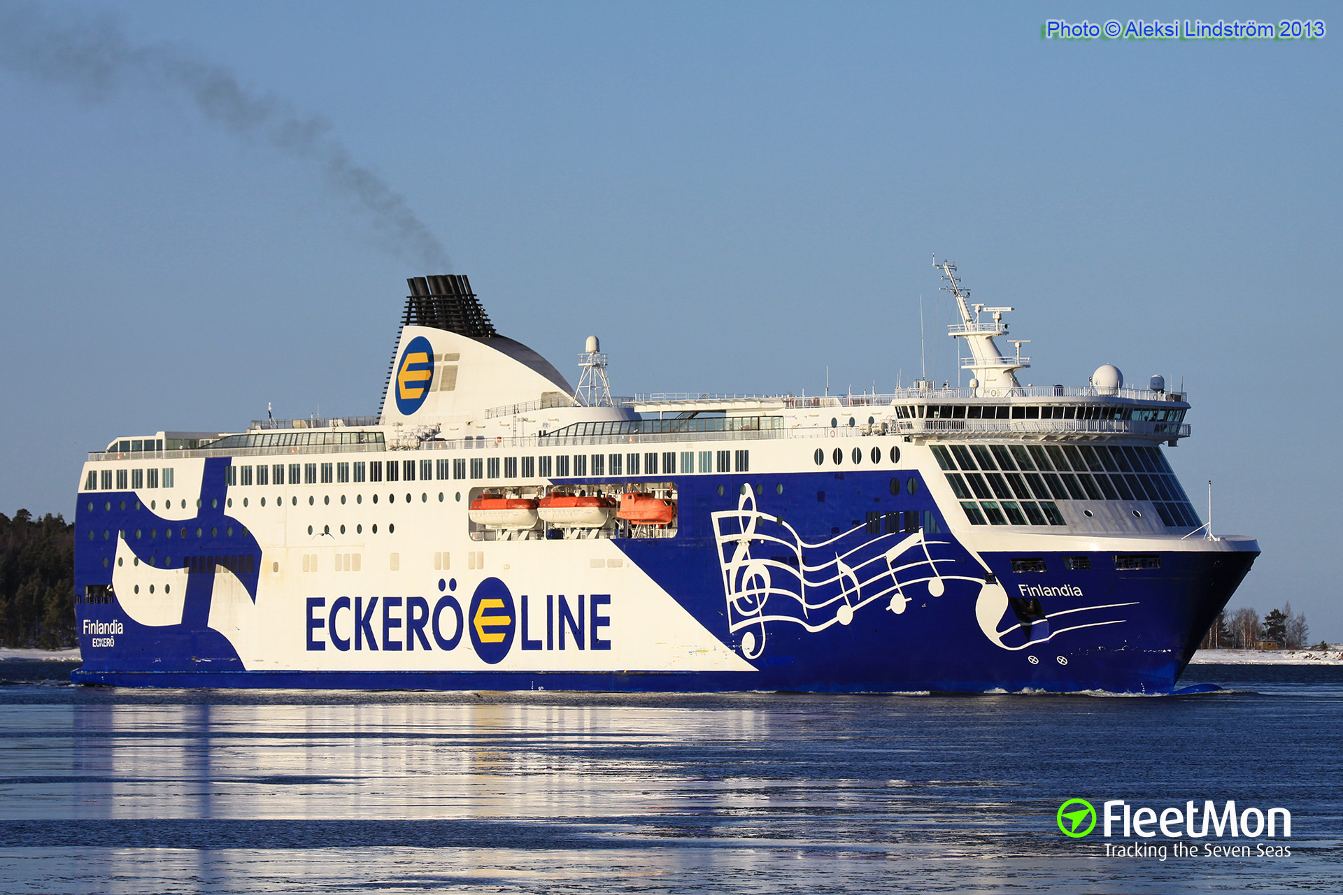 Contradictory reports on ferry Finlandia accident, Tallinn