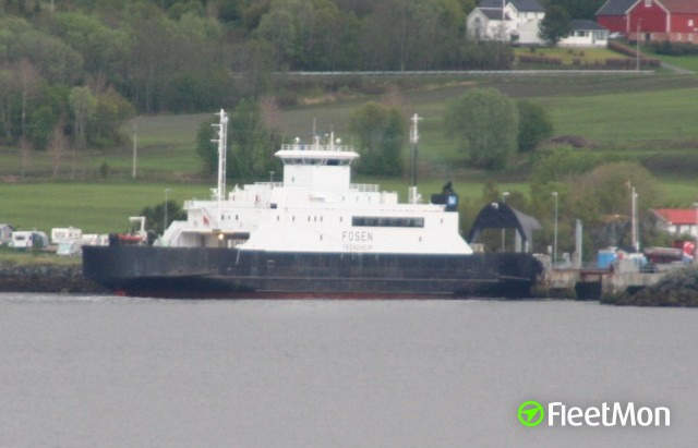 Ferry FOSEN disabled in Fusafjorden