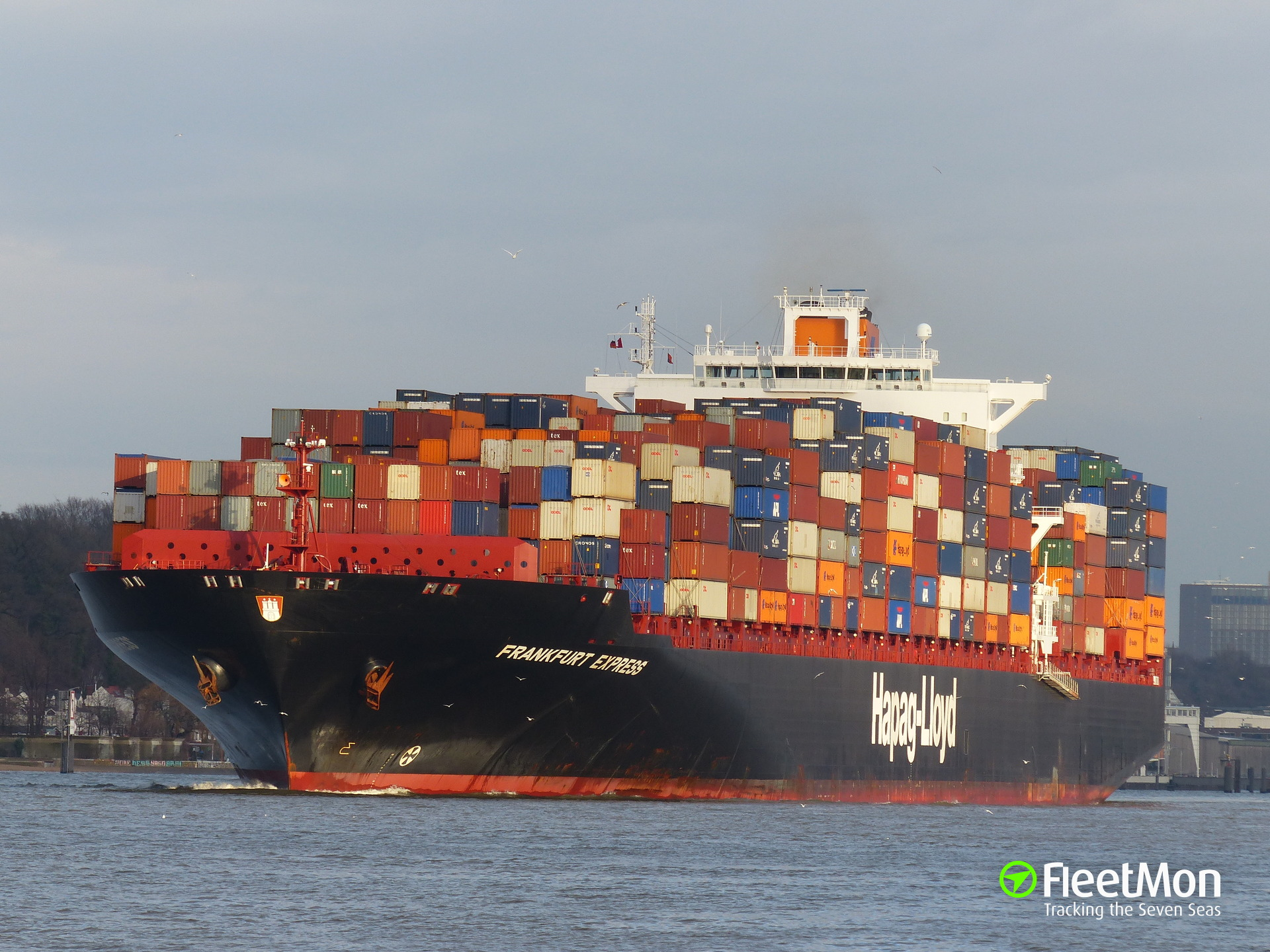 One more Hapag-Lloyd's container ship troubled in harbor, this time in Egypt