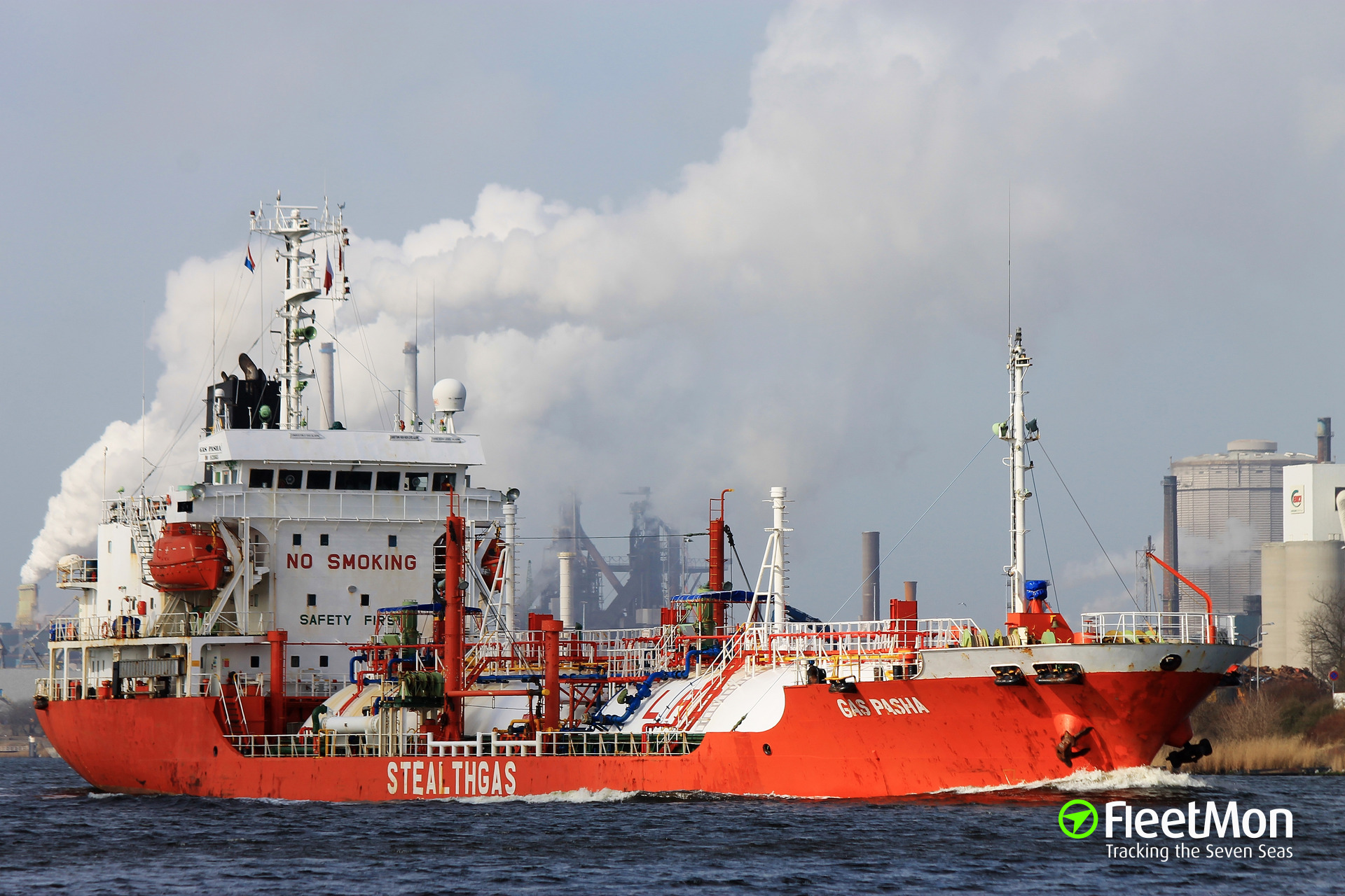 LPG tanker GAS PASHA troubled in Cork Harbor