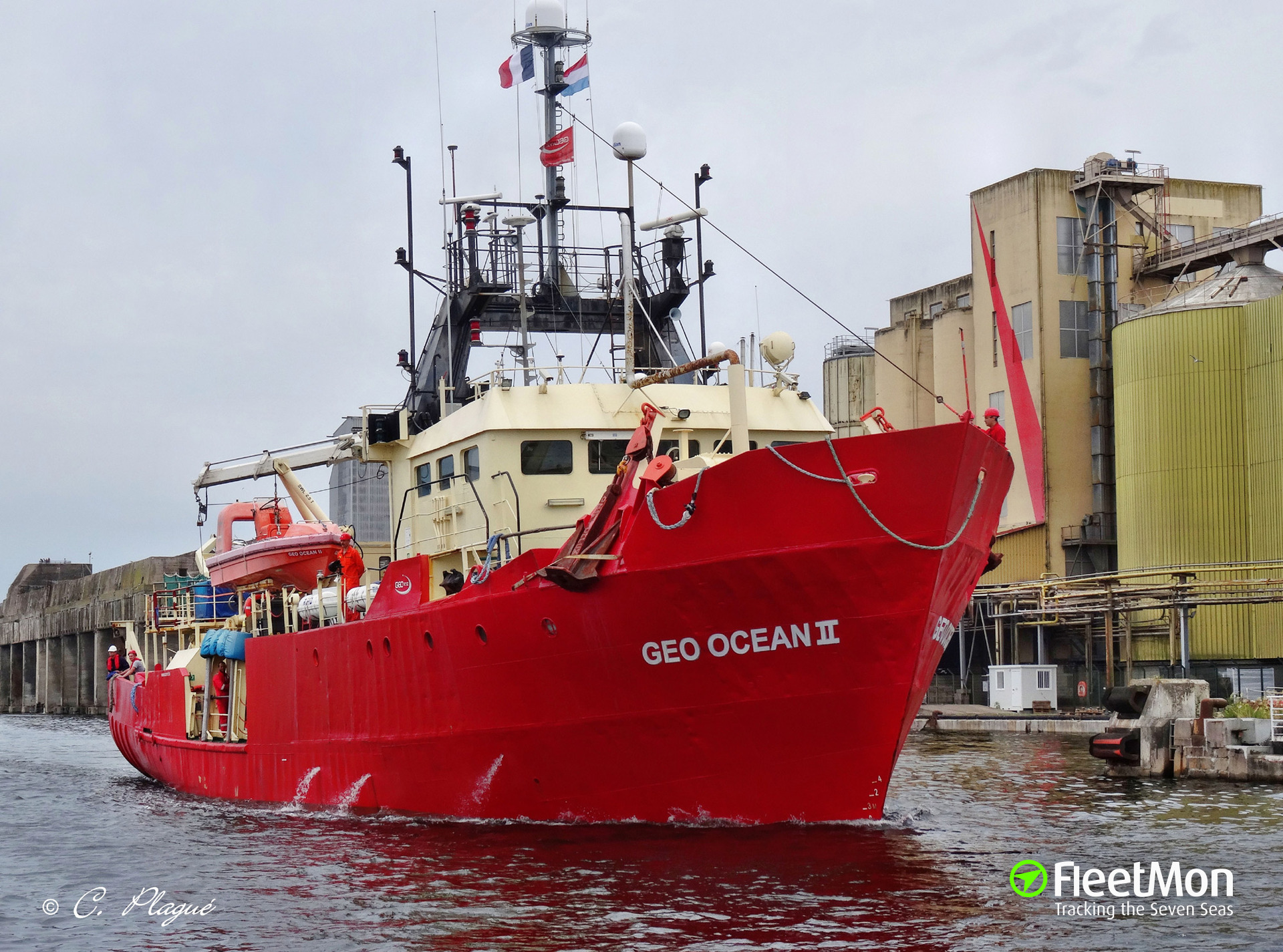 Support vessel OMS Pollux holed after allision with wind turbine, Irish sea (UPDATE)