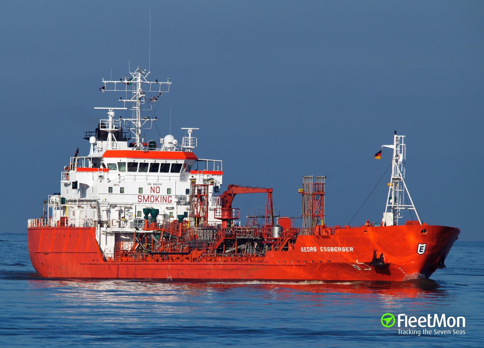 Product tanker GEORG ESSBERGER damaged in allision