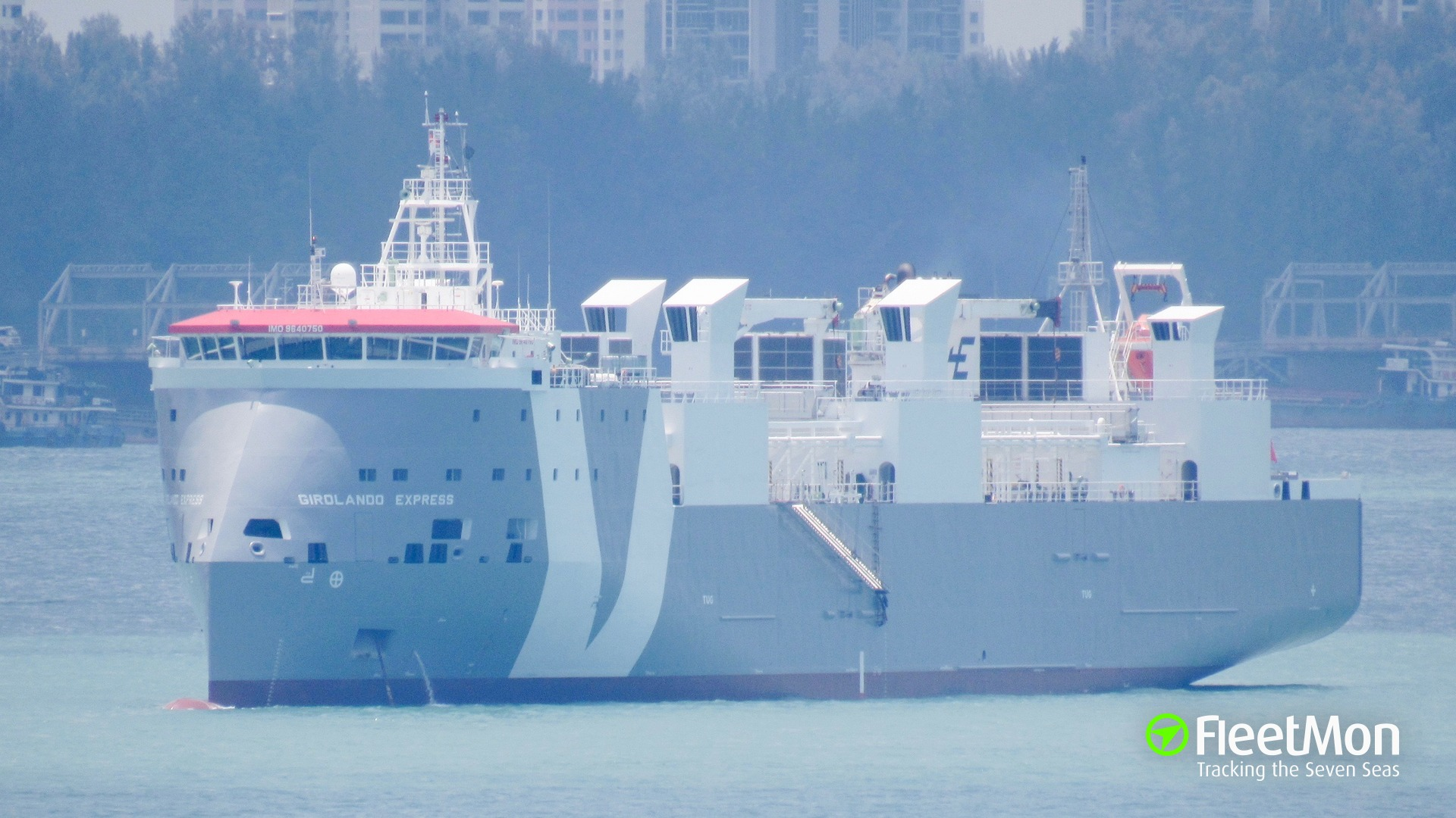 Livestock carrier GIROLANDO EXPRESS stranded with 4245 cattle on board