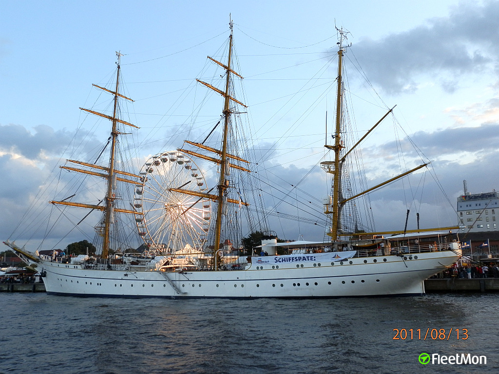 photo of gorch fock mmsi 211210280 callsign drax taken by recta. Black Bedroom Furniture Sets. Home Design Ideas