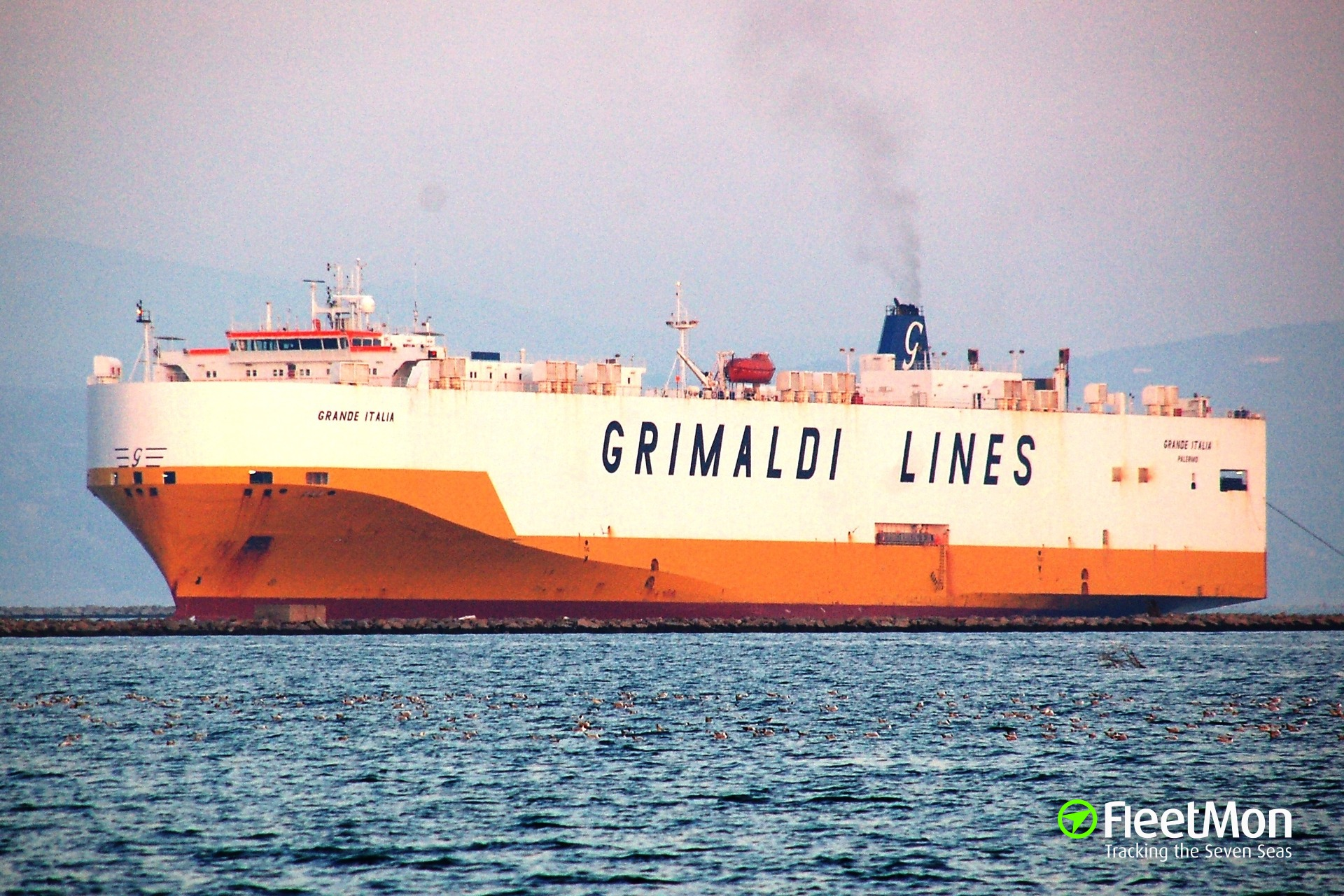 Car carrier GRANDE ITALIA troubled