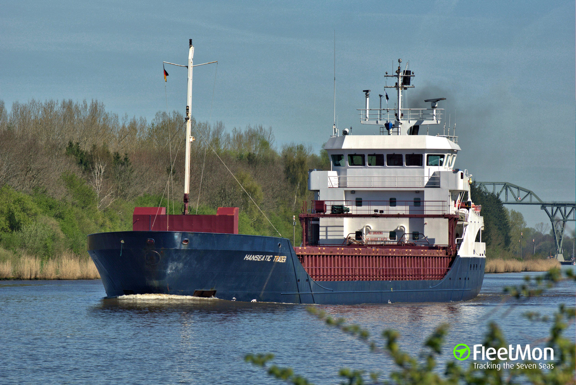 Disabled freighter towed to Brest