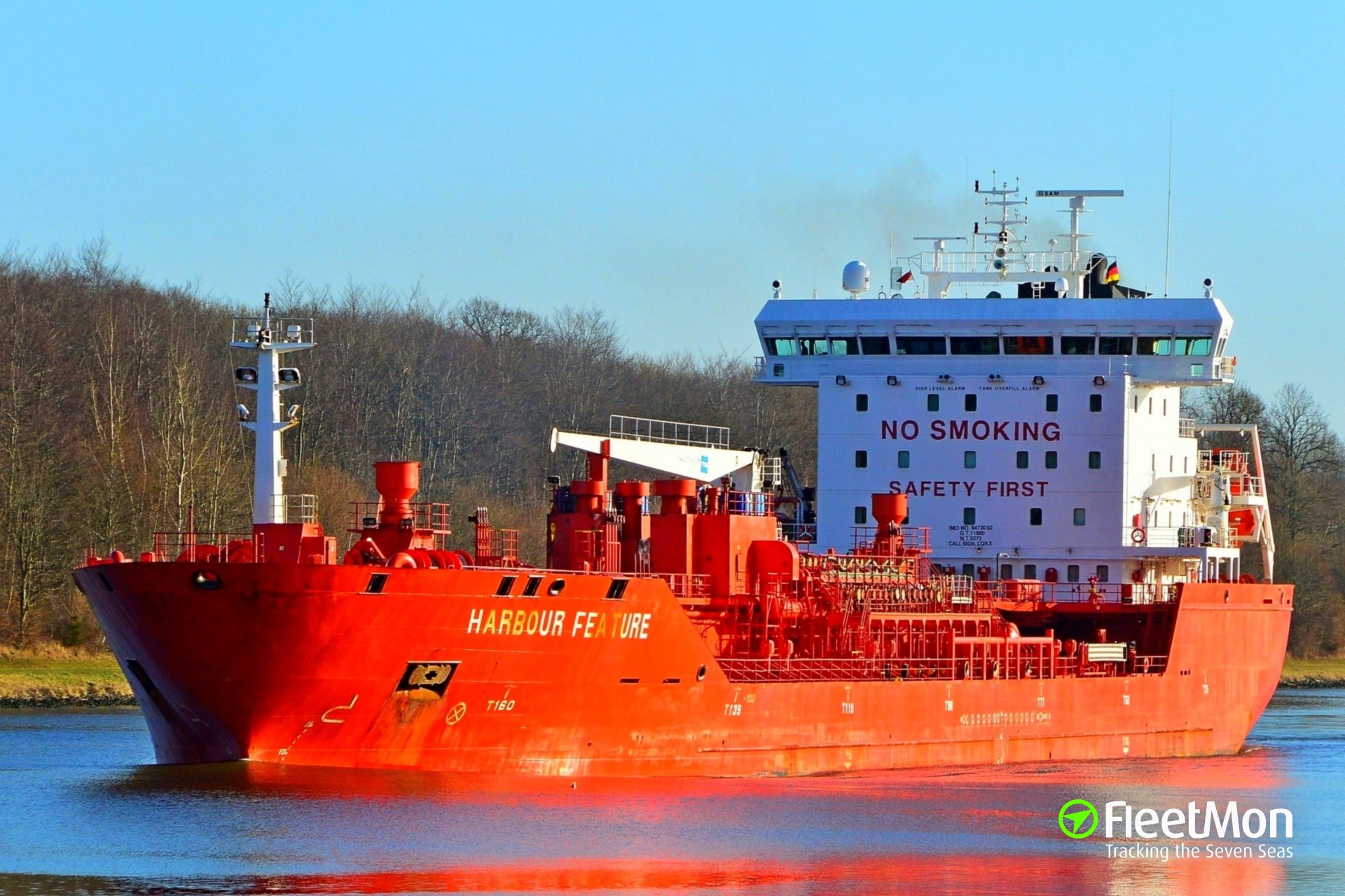 Nordic's tanker Harbour Feature allided with bridge in Portsmouth, US