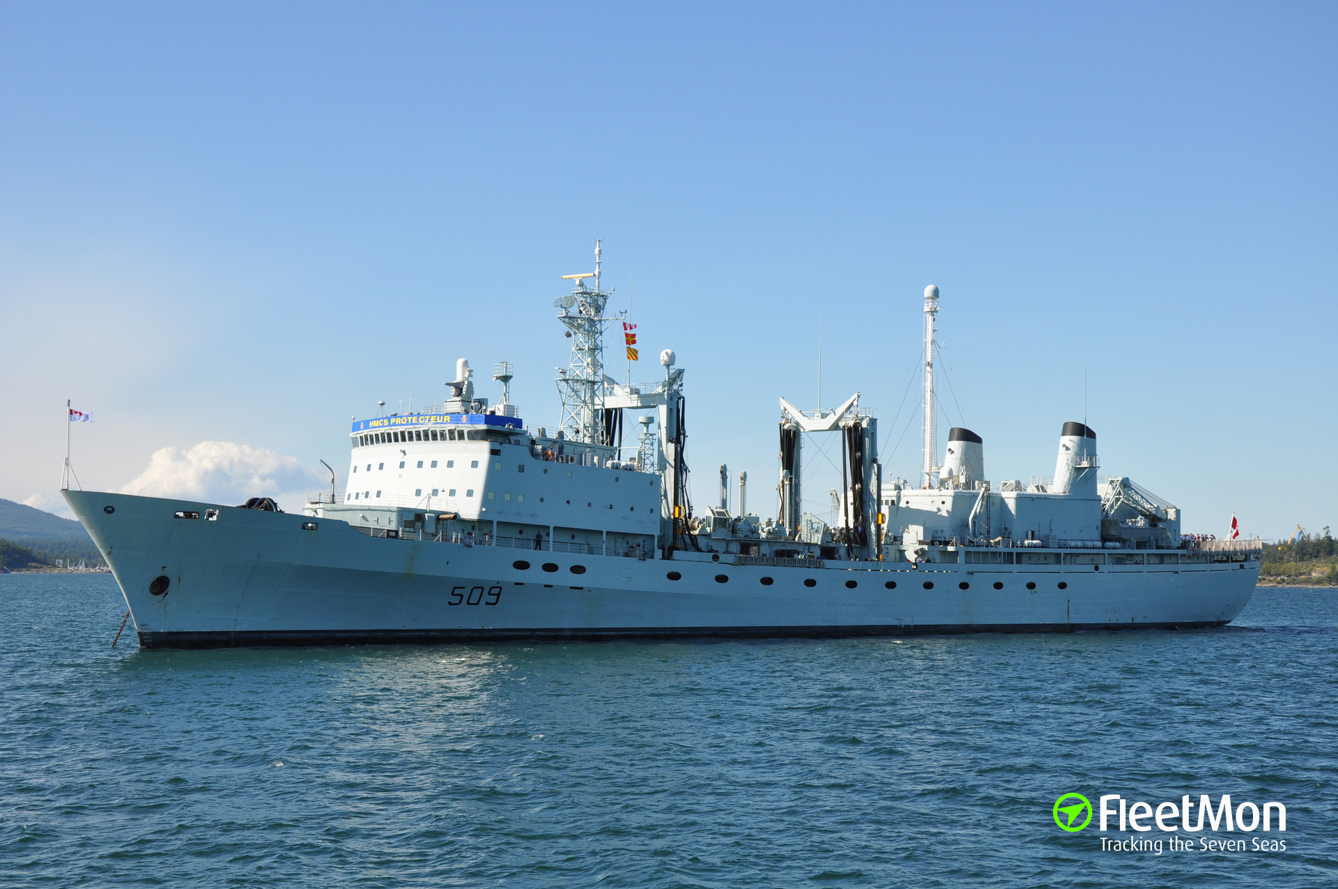 Towing of fire-damaged HMCS PROTECTEUR successfully reestablished