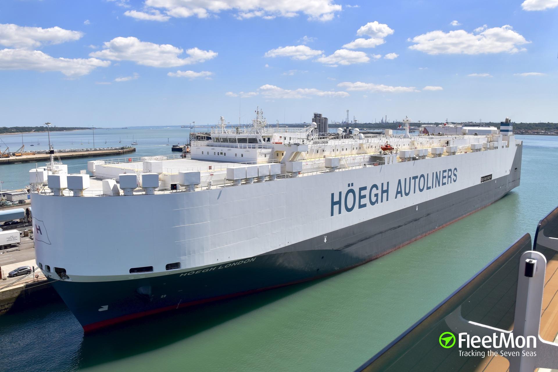 HOEGH car carrier damaged by storm in Mediterranean