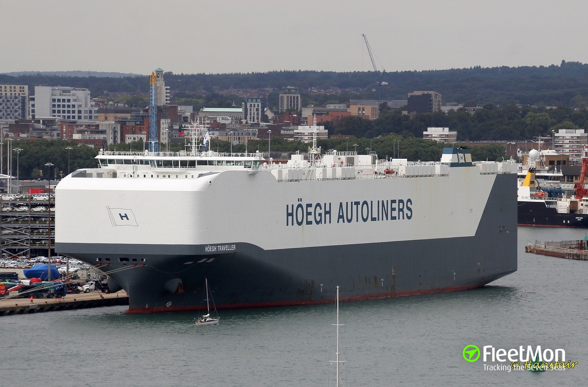 Photo of HOEGH TRAVELLER (IMO: 9710737, MMSI: 259075000