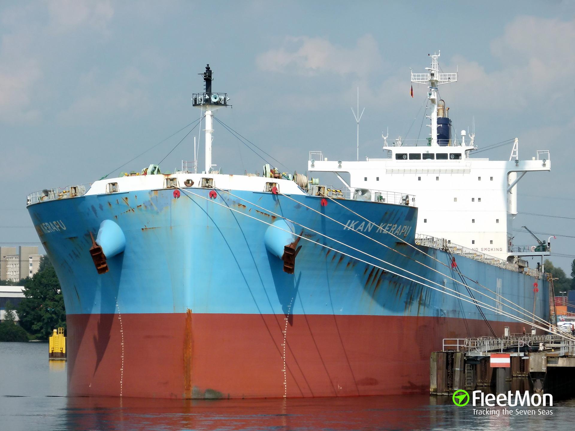 Bulk carrier IKAN KERAPU hard aground, Gulf of Riga