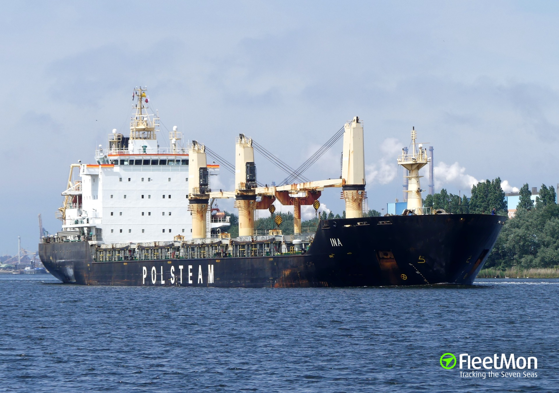Polish bulk carrier INA collided with tall ship EMPIRE SANDY, Canada