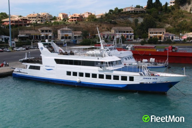 //photos.fleetmon.com/vessels/ionian-sun_8862014_89531_Large.jpg
