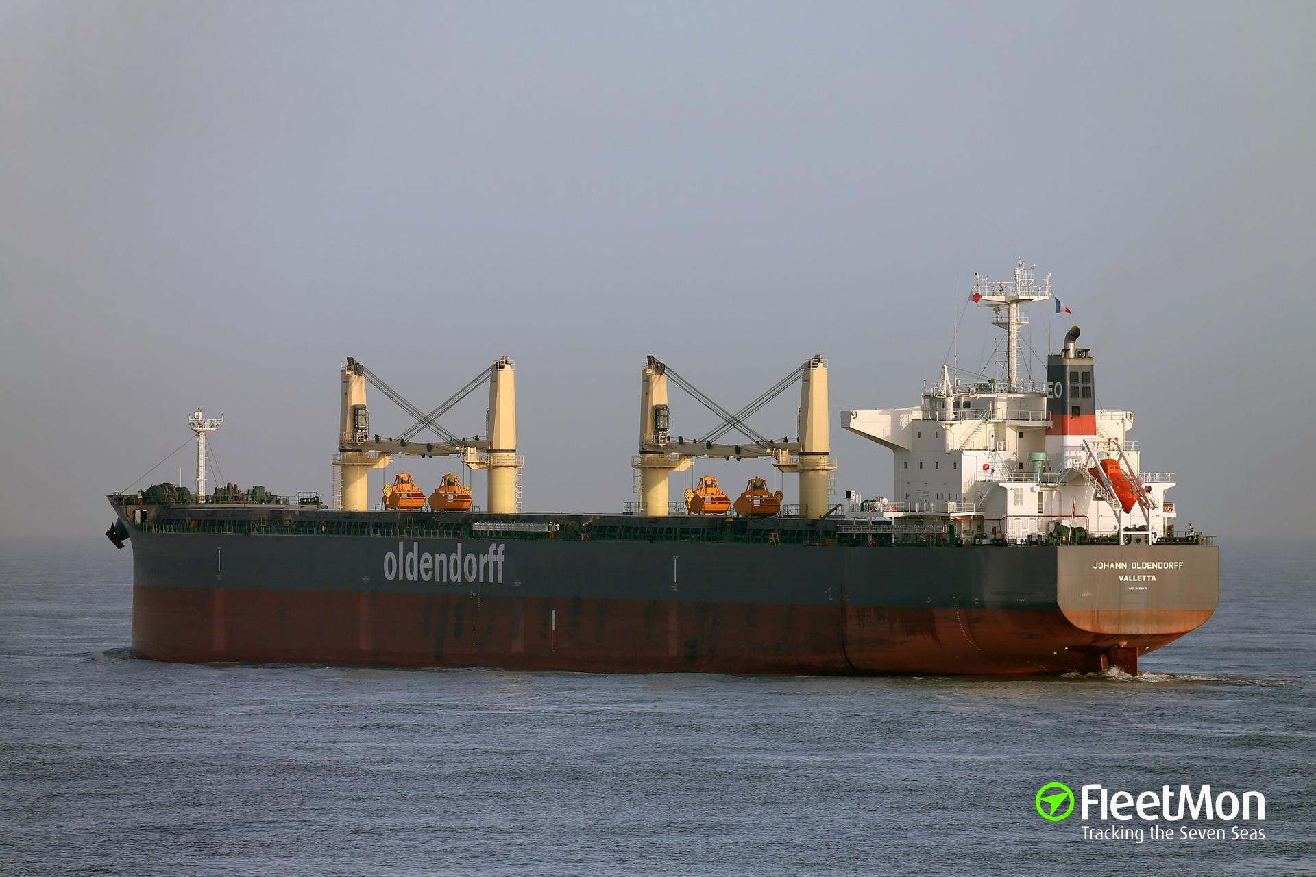 Bulk carrier JOHANN OLDENDORFF aground, Parana River