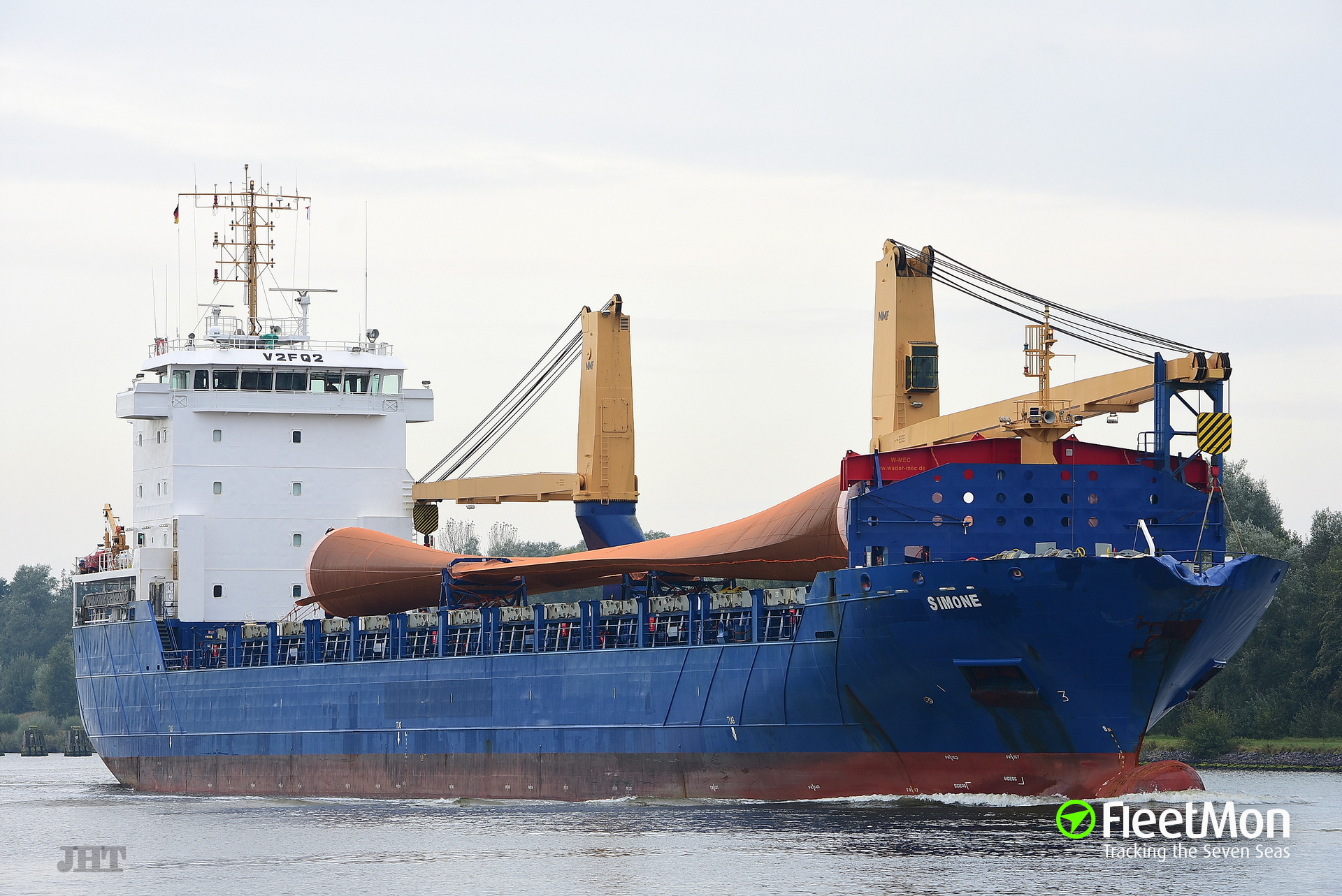 Freighter with engine problem in the Atlantic