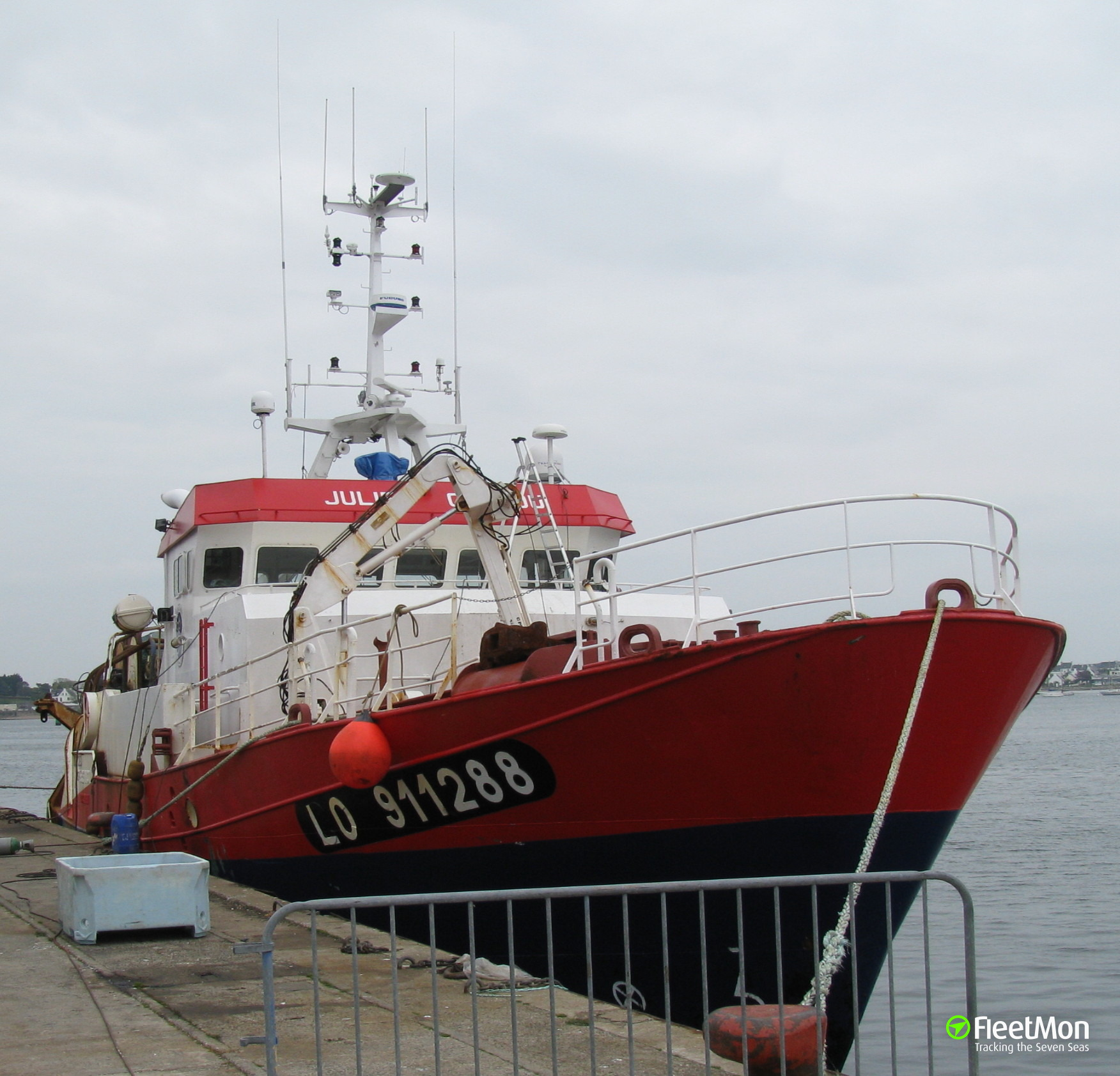 Fishing vessel JULIEN COLEOU towed to safety