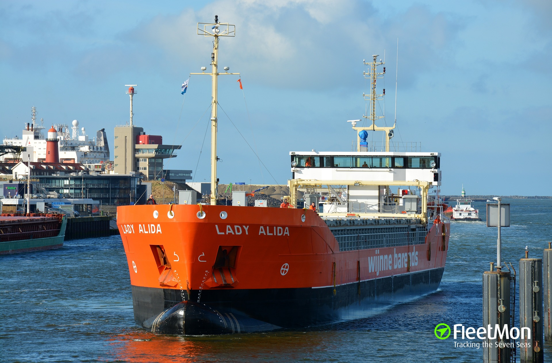 LADY ALIDA troubled west of Lizard