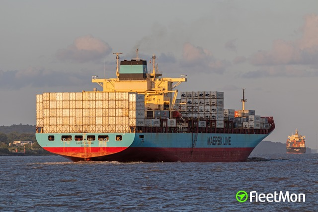 //photos.fleetmon.com/vessels/laust-maersk_9190743_2679425_Large.jpg