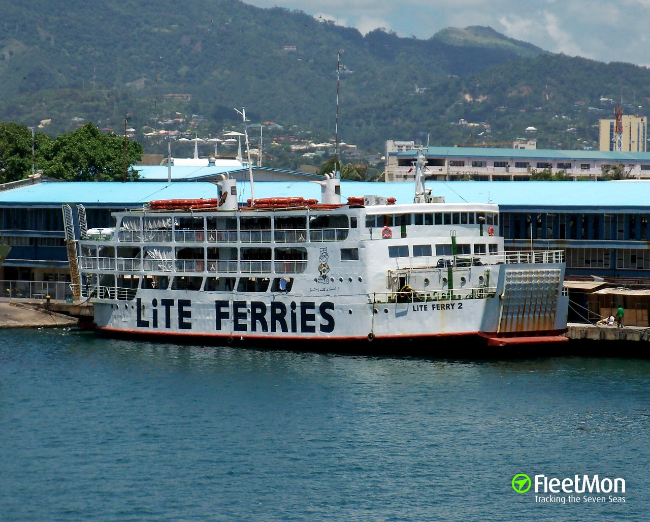 Navire LITE FERRY 2 (Passenger ship) IMO 1234567, MMSI 548690300
