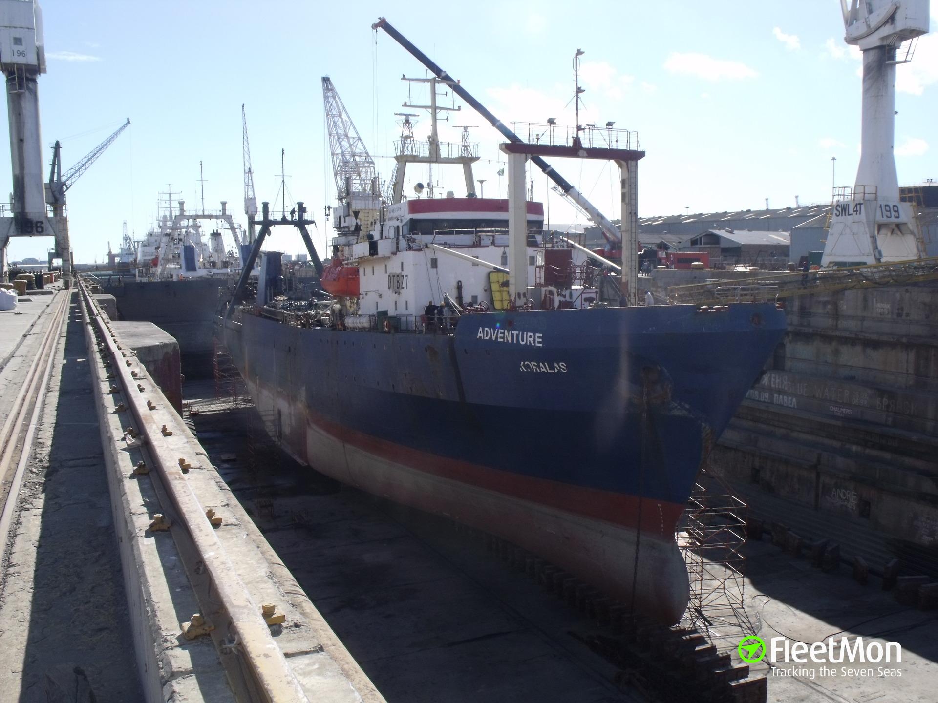 Dry dock flooded, vessels inside damaged, Cape Town
